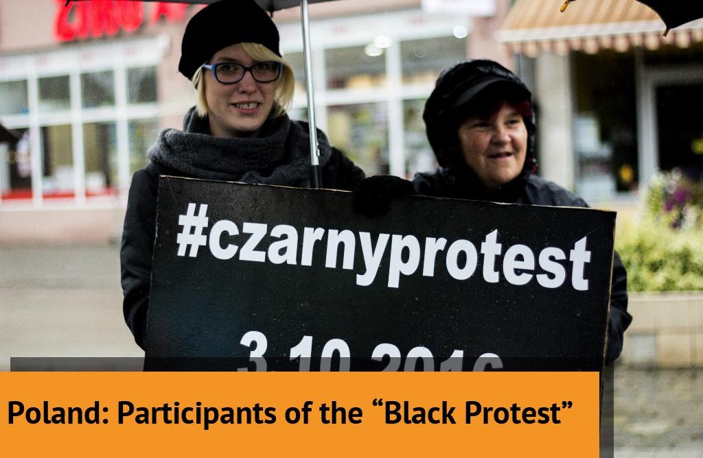 "Creative Commons ""Czarny Protest"" by Iga Lubczańska, used under CC BY, modified."