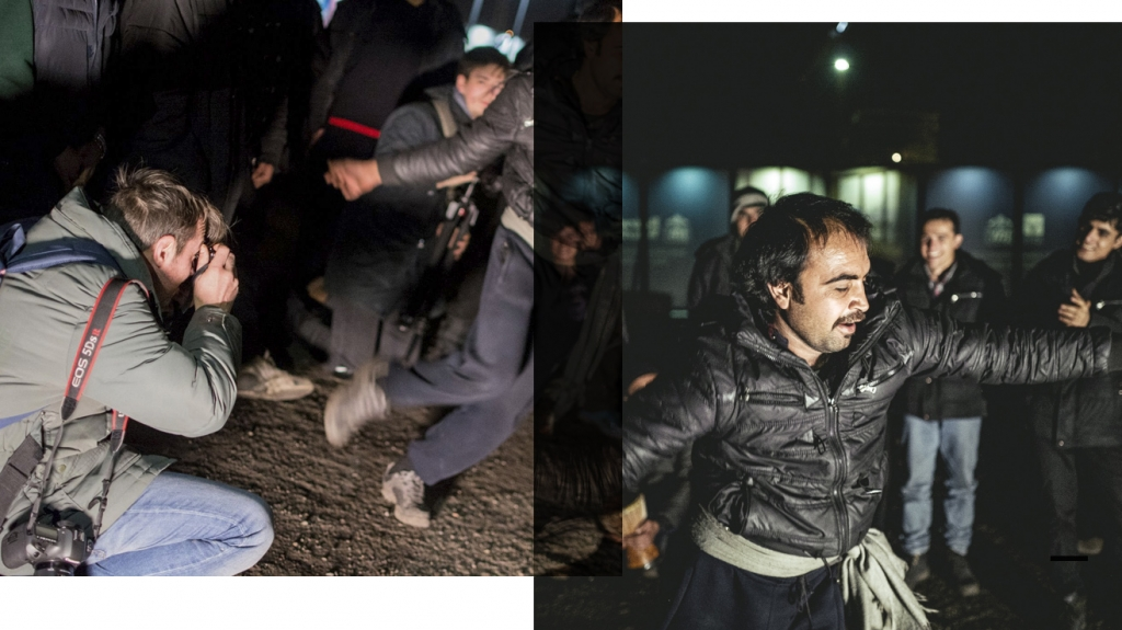 What do photographers when they photograph refugees? Documenting, accusing, making money – or something in-between? This image depicts n-ost photographer Florian Bachmeier at the inofficial refugee camp in Belgrade. / Foto: Nacho Toyos (r), Florian Bachmeier (l)
